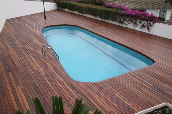 Piscinas y terrazas sanc s puertas y parquet for Terrazas piscinas fotos