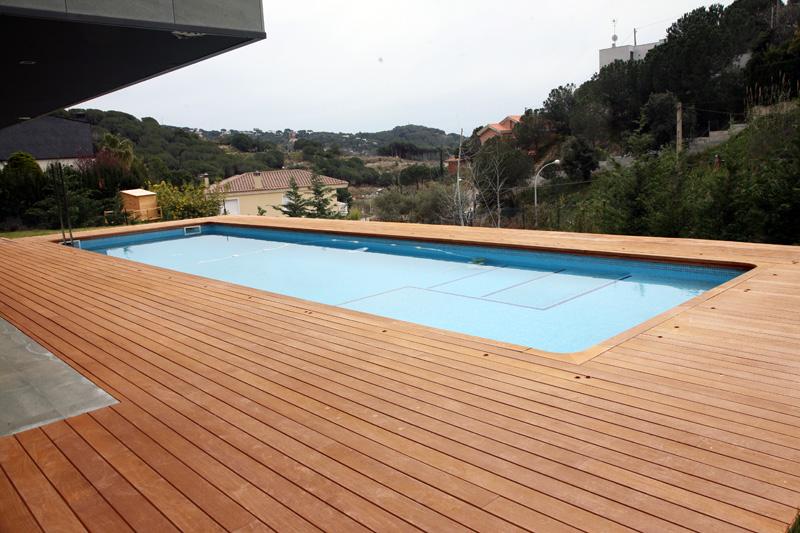 Piscinas y terrazas sanc s puertas y parquet for Piscinas para terrazas
