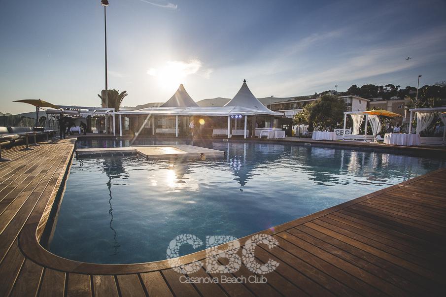 Proyecto de piscina y terraza en casanova beach club for Piscina castelldefels
