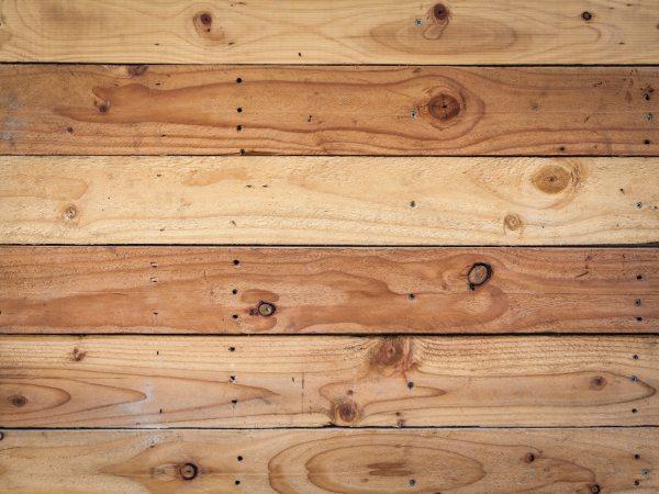 La durabilidad del roble y su importancia en la fabricación de puertas